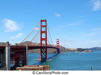 golden gate bridge - the famous golden gate bridge in san...
