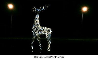 Garland sculptures in shape of deer. - Garland sculptures in...