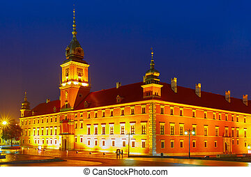 Royal Castle at night in Warsaw, Poland - Royal Castle at...