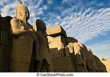 Estatuas, Faraones, VII, pilón, templo, Amun, Karnak,...