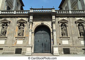 Pavia (Italy): historic palace