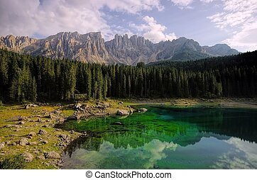 Lago di Carezza in Dolomites