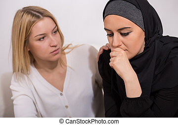 Worried arab woman with friend - Worried arab woman with her...