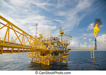 Offshore construction platform for production oil and gas in...