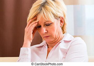 dolore, o, fronte, Toccante, anziano, detenere, mal di testa