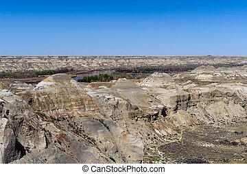 Badlands near Drumheller in Alberta - Dinosaur Provincial...