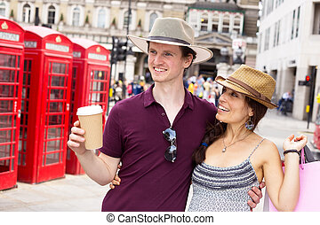 tourists in London - happy couple in London