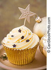 Christmas cupcake - Golden cupcake with Christmas baubles