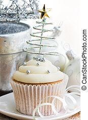 Christmas cupcake - Cupcake decorated with silver dragees...