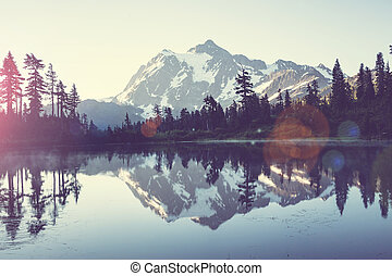 Picture lake - Mount Shuksan, Washington
