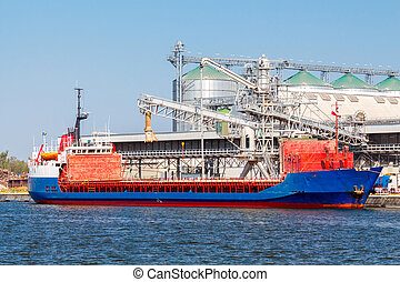 Gdansk. Bulk cargo terminal in the seaport. - Grain grain...