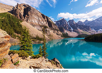 Moraine lake - Beautiful Moraine lake in Banff National...