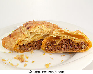 Minced meat in puff pastry