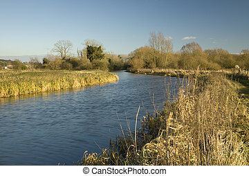 Kennet and Avon Canal at Midgham, Berkshire, Uk