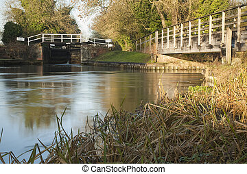 River Kennet and Kennet and Avon Canal at Bulls Lock,...