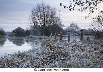 Junction of River Kennet and Kennet and Avon Canal above...