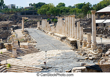 Ruins of Beit Shean - Mainstreet with roman pillars in Beit...