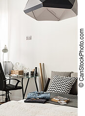 Combined bedroom and home office - Image of stylish combined...