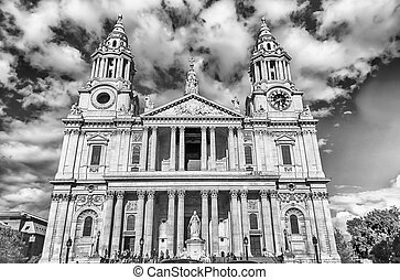 St Paul Cathedral, London, UK