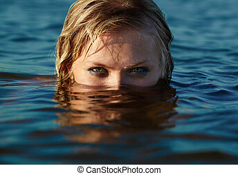 girl diver - beautiful eyed- blonde girl\'s head part in the...
