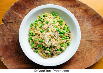 peas pesto with orzo pasta and sauteed mushrooms