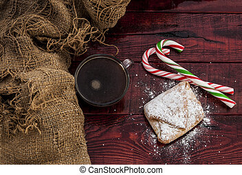 Homemade baked Christmas gingerbread - Pies with apples of...