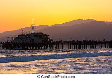 Malibu Pier sunset - Beautiful view of Malibu Pier at sunset...