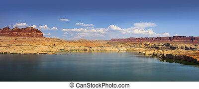 Lake Powell - Panoramic view of Lake Powell in Utah