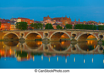 Night Toulouse - View of Toulouse and Pont Neuf at a summer...