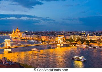 cidade,  Budapest, noite, primavera