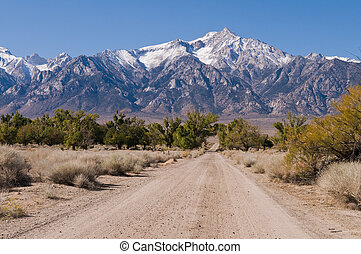 Sierra Nevadas - Dirt road heading toward the eastern Sierra...
