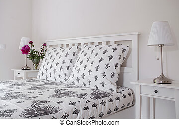 Tasteful bed linen - Beautiful and tasteful bed linen in a...
