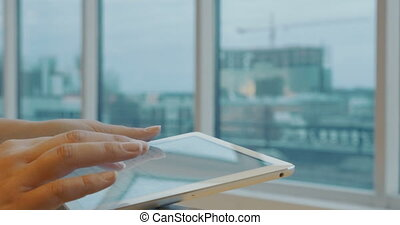 Using tablet PC for chat messaging