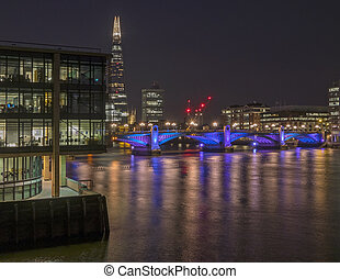 Southwark Bridge - Southwark bridge across the Thames in...