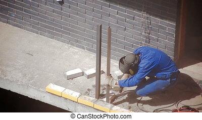 Worker Welding Construction site - Worker Welding new...