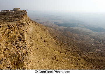 Makhtesh ramon - 'Ramon observation point' on the edge of...