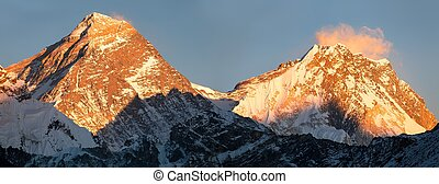 Panoramic view of Everest and Lhotse from Gokyo valley, way...
