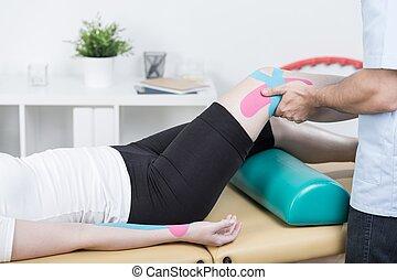 Taping of knee