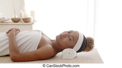 Traditional Aroma Therapy And Beauty Treatments - Young...