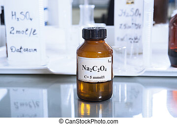 Bottle with sodium oxalate - Brown bottle with sodium...