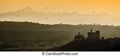 Sunset views in the Langhe Unesco heritage - View the sunset...