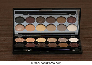 Eye shadows - Neutral eye shadows palette with applicator...