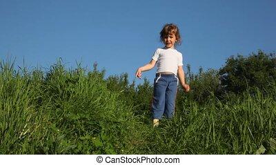 girl doing steps