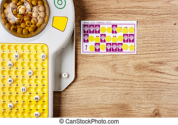 Bingo Game. - Electronic bingo game with cards and chips to...