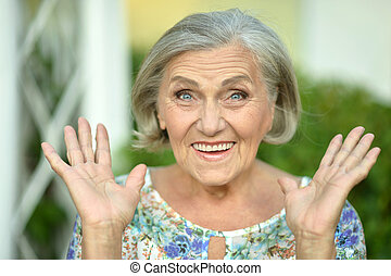 surprised senior woman - Portrait of a surprised senior...