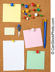 Blank memo notes on cork board - Blank memo notes pinned on...