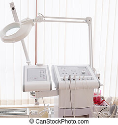 Apparatus for skin care - Equipment for cosmetics in the...
