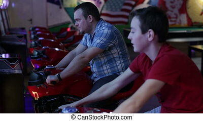 Father and son ride on motorbike simulation game - Slot...