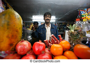 Juice bar in Delhi - DELHI - FEBRUARY 26 Juice stall owner...