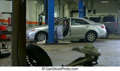 Out of car in service - Mechanic out of car in service